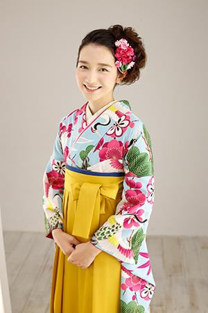 和洋テイストがミックスされた髪飾りでヘアスタイルのポイントに!